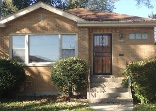Foreclosed Home in Chicago 60643 S HALE AVE - Property ID: 4309219303