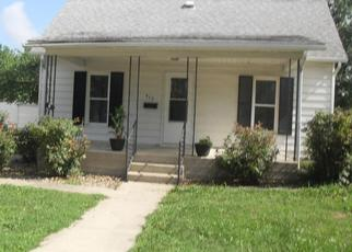 Foreclosed Home in Staunton 62088 W 6TH ST - Property ID: 4309234643