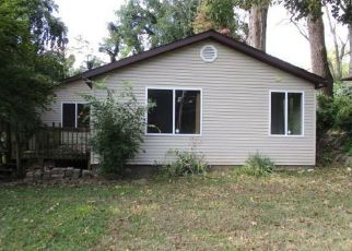 Foreclosed Home in Fairview Heights 62208 PONTIAC RD - Property ID: 4309237704