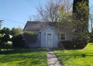 Foreclosed Home in South Beloit 61080 SALMON AVE - Property ID: 4309238128