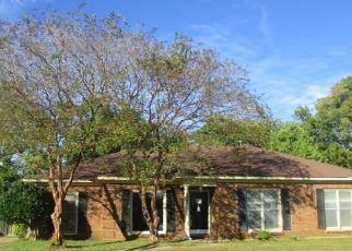 Foreclosed Home in Montgomery 36106 GREEN ACRES DR - Property ID: 4309360776