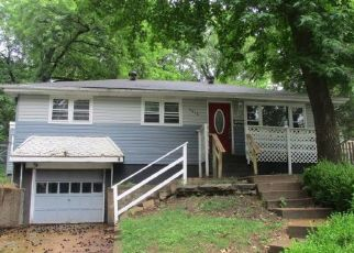 Foreclosed Home in Saint Louis 63135 ROBERT AVE - Property ID: 4309415966
