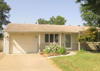 Foreclosed Home in Maryland Heights 63043 COLONIAL DR - Property ID: 4309425593