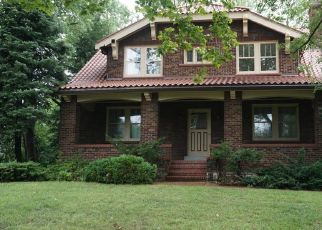 Foreclosed Home in Saint Louis 63121 BELLERIVE ACRES - Property ID: 4309433471