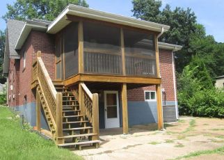 Foreclosed Home in Saint Louis 63121 GREENDALE DR - Property ID: 4309439606