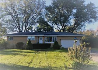 Foreclosed Home in Palatine 60074 E CAPRI DR - Property ID: 4309482978
