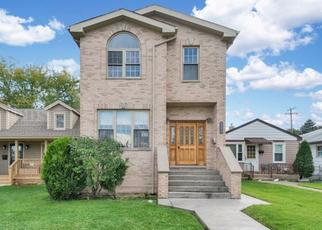 Foreclosed Home in Harwood Heights 60706 W MONTROSE AVE - Property ID: 4309506617