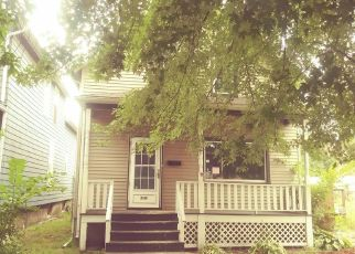 Foreclosed Home in Blue Island 60406 BURR OAK AVE - Property ID: 4309548218