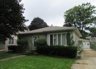 Foreclosed Home in Lombard 60148 HAMMERSCHMIDT AVE - Property ID: 4309596848