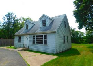 Foreclosed Home in Downers Grove 60516 LEE AVE - Property ID: 4309599466