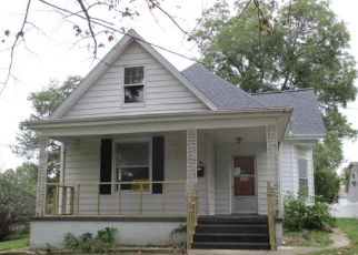 Foreclosed Home in Lebanon 62254 N PEARL ST - Property ID: 4309660340