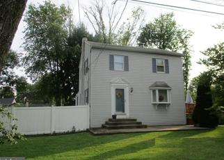 Foreclosed Home in Feasterville Trevose 19053 HAZEL AVE - Property ID: 4309818903