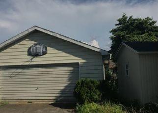 Foreclosed Home in Catasauqua 18032 BATH AVE - Property ID: 4309848229