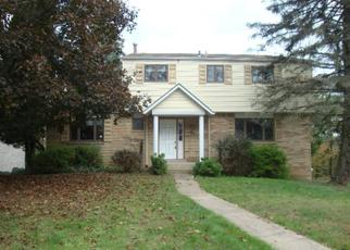 Foreclosed Home in Pittsburgh 15235 RUSHMORE DR - Property ID: 4309958157