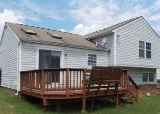Foreclosed Home in Richmond 23223 MONTCLAIR RD - Property ID: 4309987965