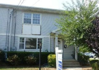 Foreclosed Home in Westbury 11590 SWALM ST - Property ID: 4310230134