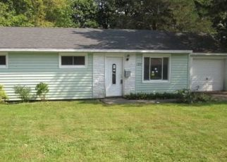 Foreclosed Home in Syracuse 13212 FAIRFIELD DR - Property ID: 4310307222