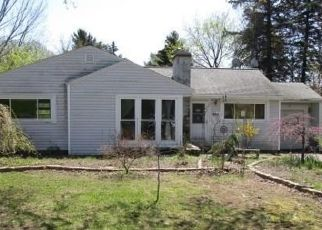 Foreclosed Home in Liverpool 13088 7TH ST - Property ID: 4310311614