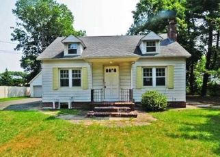 Foreclosed Home in Nesconset 11767 SOUTHERN BLVD - Property ID: 4310431618