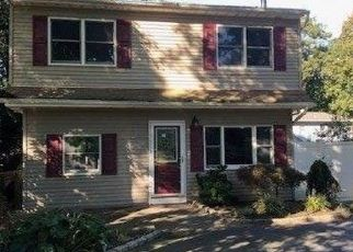Foreclosed Home in Nesconset 11767 SEAWANHAKA AVE - Property ID: 4310433371