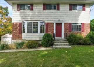 Foreclosed Home in Ossining 10562 STONEGATE RD - Property ID: 4310492496