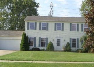 Foreclosed Home in North Olmsted 44070 WESTMINSTER DR - Property ID: 4310510904