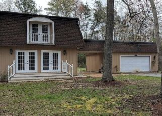 Foreclosed Home in Leonardtown 20650 WHITE OAK RD - Property ID: 4310804328