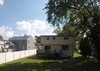 Foreclosed Home in Maple Shade 08052 MECRAY LN - Property ID: 4310878349