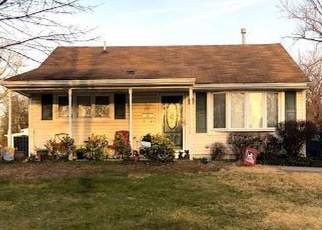 Foreclosed Home in Maple Shade 08052 MILDRED AVE - Property ID: 4310879221
