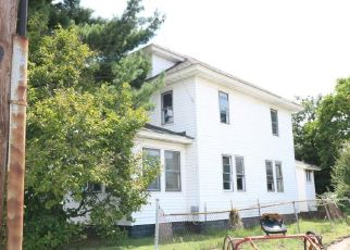 Foreclosed Home in Paulsboro 08066 W BROAD ST - Property ID: 4311019824