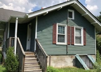 Foreclosed Home in Pittstown 08867 PERRYVILLE RD - Property ID: 4311046988