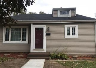 Foreclosed Home in Milwaukee 53218 W SCRANTON PL - Property ID: 4311217337
