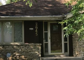 Foreclosed Home in Brookfield 53005 MAYFAIR DR - Property ID: 4311247116
