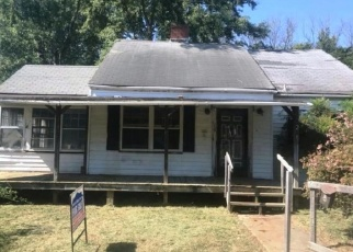 Foreclosed Home in Greeneville 37743 UNAKA ST - Property ID: 4311262902