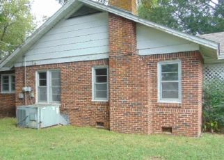 Foreclosed Home in Lexington 38351 ELLER ST - Property ID: 4311266393