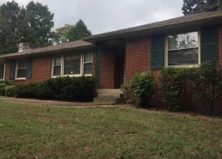 Foreclosed Home in Clarksville 37043 HILLWOOD CT - Property ID: 4311271656