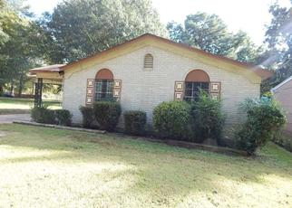 Foreclosed Home in Memphis 38109 CHARTER AVE - Property ID: 4311274274