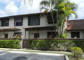Foreclosed Home in Miami 33186 SW 90TH TER - Property ID: 4311395599