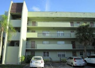 Foreclosed Home in West Palm Beach 33401 EMBASSY DR - Property ID: 4311517804