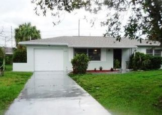 Foreclosed Home in Seminole 33772 114TH ST - Property ID: 4311536181