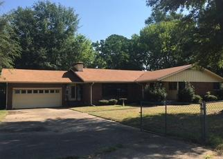 Foreclosed Home in Longview 75602 HARMON DR - Property ID: 4311611969