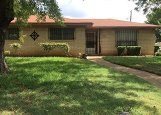 Foreclosed Home in Waco 76704 BROADWAY ST - Property ID: 4311647877