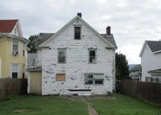 Foreclosed Home in Uniontown 15401 LAWN AVE - Property ID: 4311692996