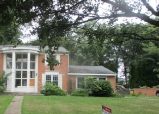 Foreclosed Home in Riverton 08077 FOXCROFT DR - Property ID: 4311747733