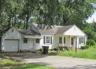 Foreclosed Home in Chattanooga 37411 OLD MISSION RD - Property ID: 4311764820