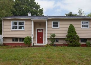 Foreclosed Home in Medford 11763 DEVON AVE - Property ID: 4311914152