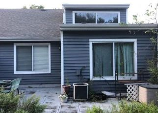 Foreclosed Home in Middle Island 11953 BIRCHWOOD PARK DR - Property ID: 4311946574
