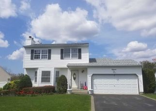 Foreclosed Home in Bellport 11713 SUNBONNET LN - Property ID: 4311969340