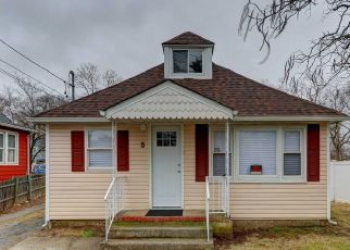 Foreclosed Home in Central Islip 11722 CHURCH ST - Property ID: 4311981607