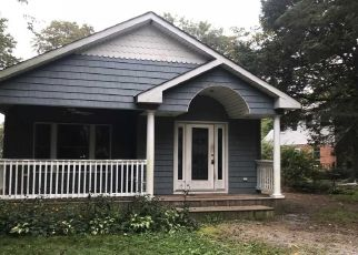 Foreclosed Home in Blue Point 11715 EATONDALE AVE - Property ID: 4311990812
